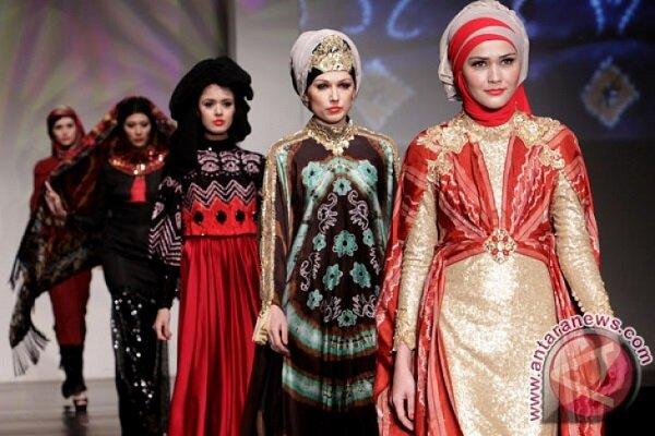 جشنواره مد لباس بانوان مسلمان اندونزی برگزار شد